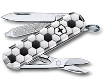 Victorinox_Classic_Limited_Edition_2020_World_of_Soccer